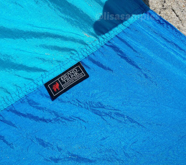 Perfect For The Beach: Parasheet Beach Blanket