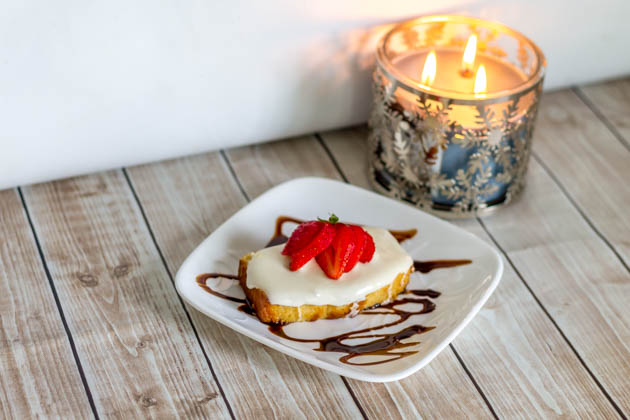 Sweet Treats Dessert: Marshmallow Covered Pound Cake with Strawberries & Chocolate Sauce