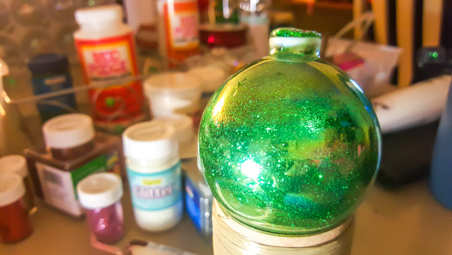DIY Glitter Christmas Ornaments (2 of 4)