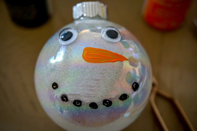 DIY Glitter Christmas Ornaments (7 of 10)